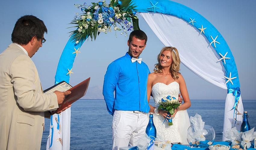 Oфициальное бракосочетание в Греции на острове Санторини