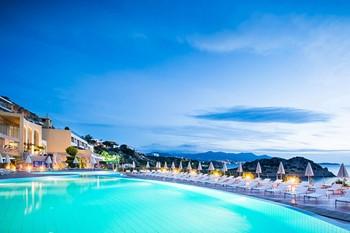 Blue Marine Resort and Spa, Крит