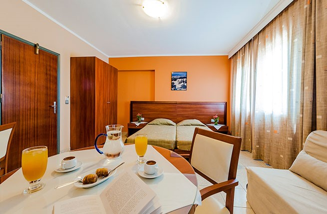 Esmeralda Apartments , Родос