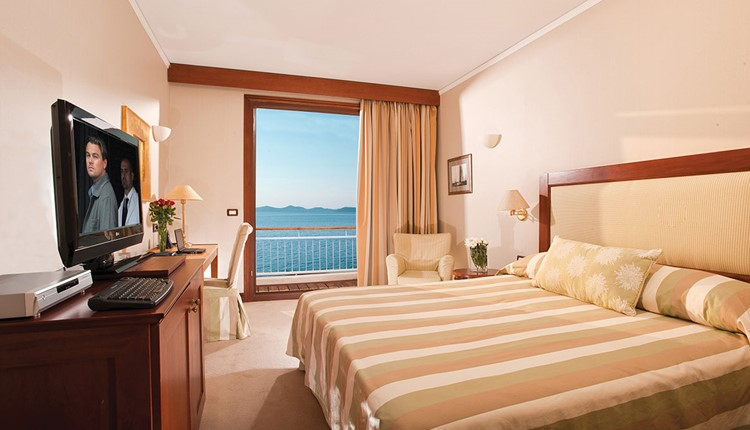 Luxury Sea View Room for Single Use