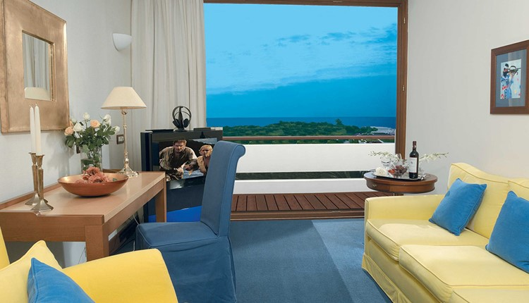 Deluxe Residence Suite Sea View