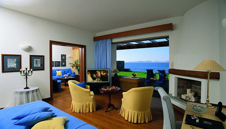 Blue Water Club Executive Suite