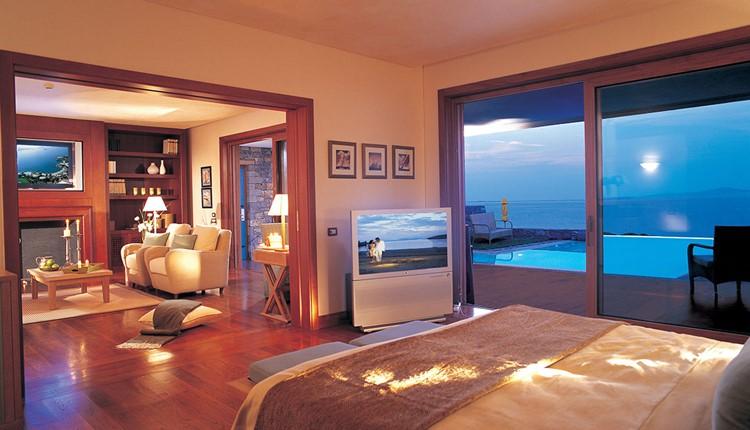 Platinum Club Governor Villa with Private Pool