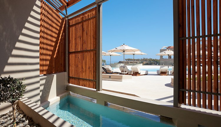Upbeat Retreat Sea View with Plunge Pool for Single Use