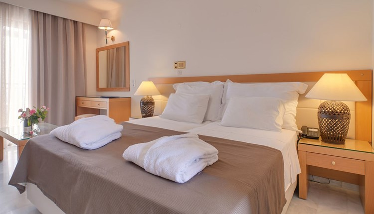 Double Room side sea view or sea view