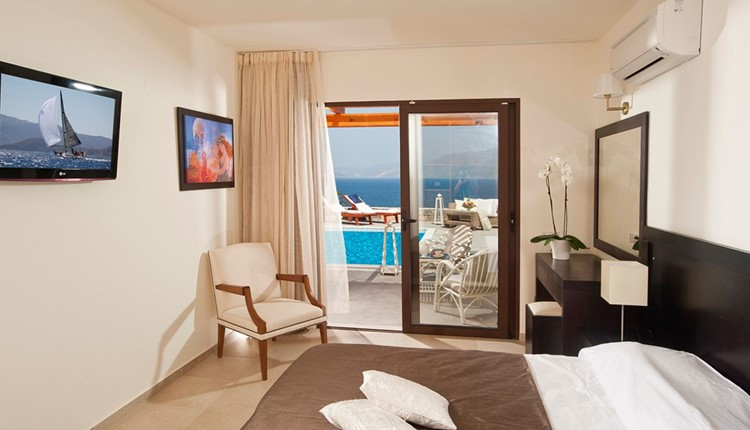 Suite 1Bedroom side sea view with pool