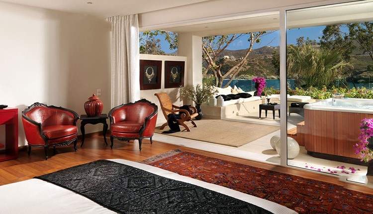Luxury Junior Suite Private Jacuzzi Side Sea View or Sea View