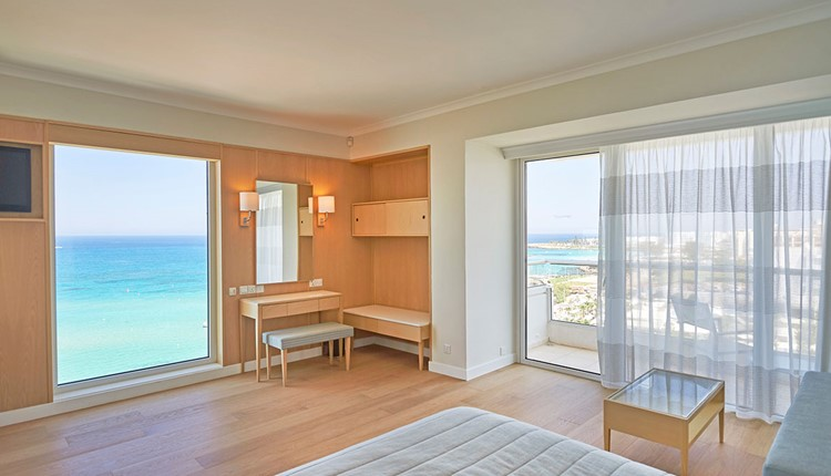 Panoramic Suite Sea View