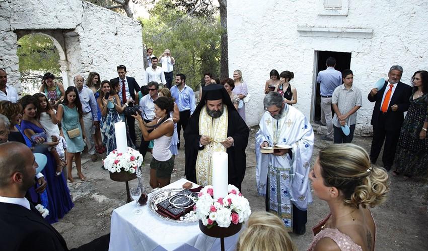 Венчание в церкви в Греции на острове Крит