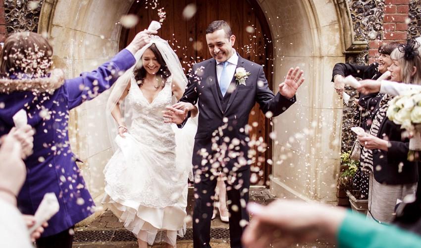 Венчание в церкви в Греции в городе Афины