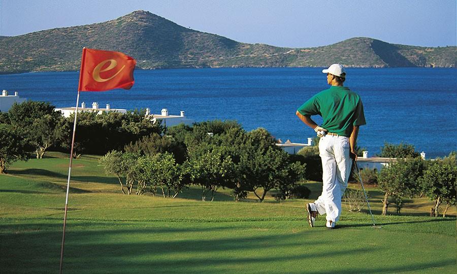 Porto elounda GOLF & SPA RESORT. Собственное поле для гольфа на 9 лунок par-3