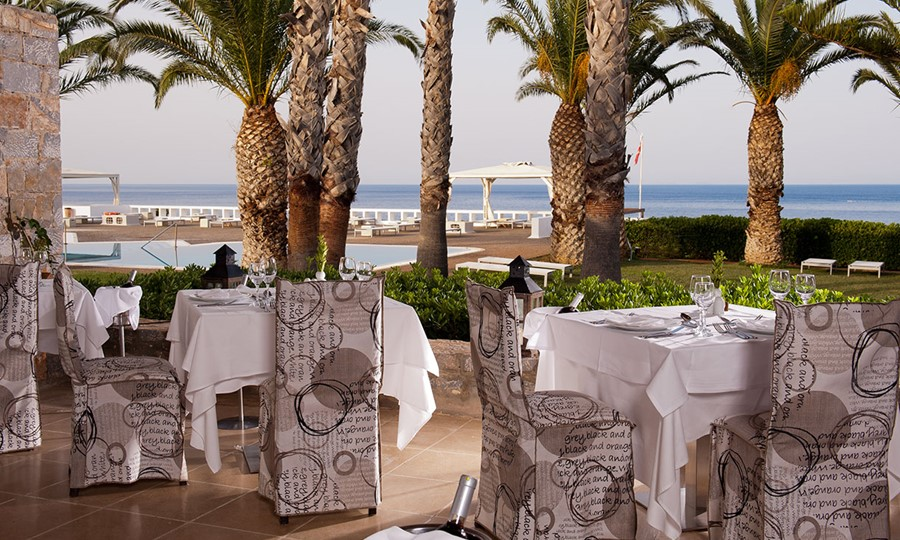 Minos Palace hotel & suites. Amalthea Restaurant