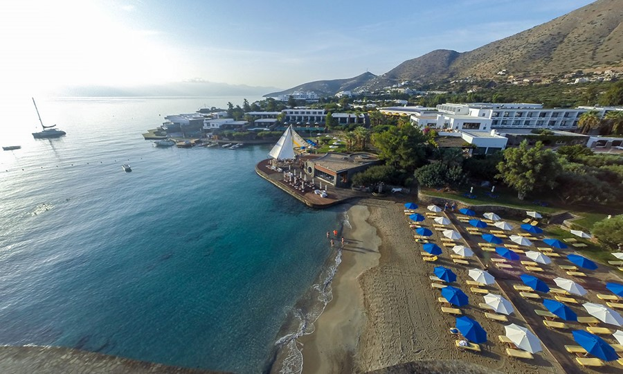 Elounda Bay Palace. Пляж отеля