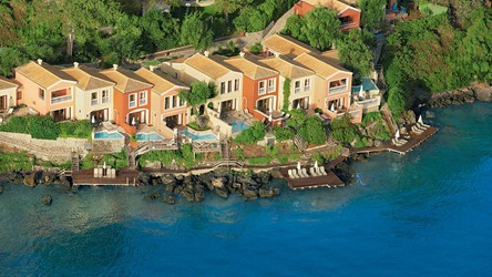 2782_06-Aristocratic-palazzos-and-villas-on-the-waterfront.jpg