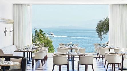 2782_10-Mon-Repos-Mediterranean-Restaurant_72dpi.jpg