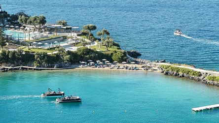 2782_15-Crystal-Blue-Waters-of-the-Ionian-Sea_72dpi.jpg