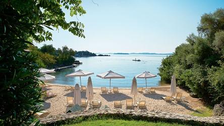 2782_20-Private-sandy-beach-amidst-Italianate-gardens.jpg