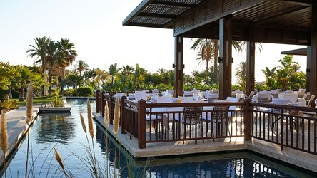2787_26-Dining-on-the-water-at-the-Lagoon-Mediterranean-restaurant_72dpi.jpg