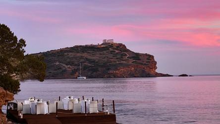 3786_09-Yali-waterfront-cabanas-restaurant.jpg