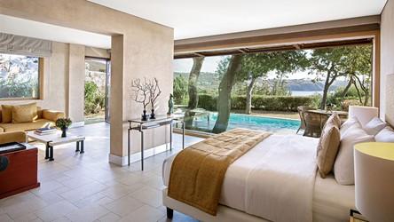 3786_23-Dream-Villa-with-private-pool,-Master-Bedroom.jpg