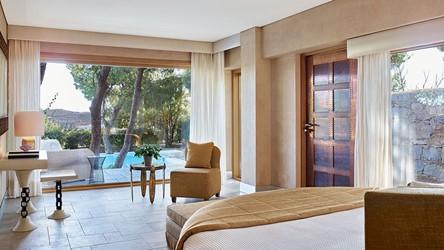 3786_37-Pine-Hill-villa,-a-luxurious.jpg