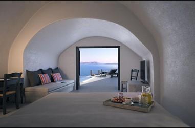 Santorini-Beleon-Tours-Ambassador-Aegean-Luxury-Hotel-and-Suites-(11)_3384_Gallery.jpg