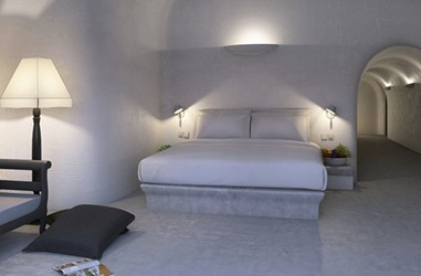 Santorini-Beleon-Tours-Ambassador-Aegean-Luxury-Hotel-and-Suites-(15)_3384_Gallery.jpg