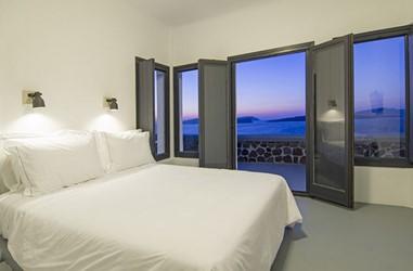 Santorini-Beleon-Tours-Ambassador-Aegean-Luxury-Hotel-and-Suites-(20)_3384_Gallery.jpg