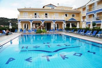 Petros Hotel , Закинф