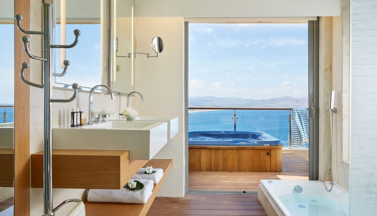 Double Deluxe Sea View with Outdoor Jacuzzi