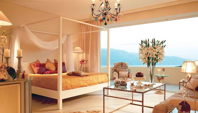 Famous - Junior Suite Frontal Sea View