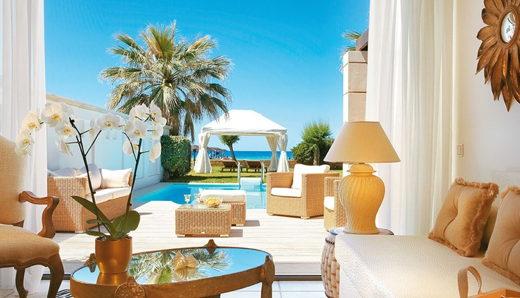 Famous - Deluxe One Bedroom Bungalow Suite Sea View Private Pool