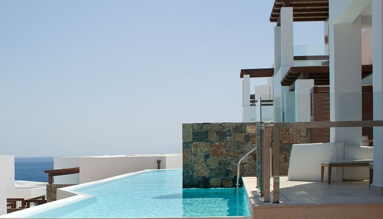 Mythica - Bungalow Sharing Pool Sea View