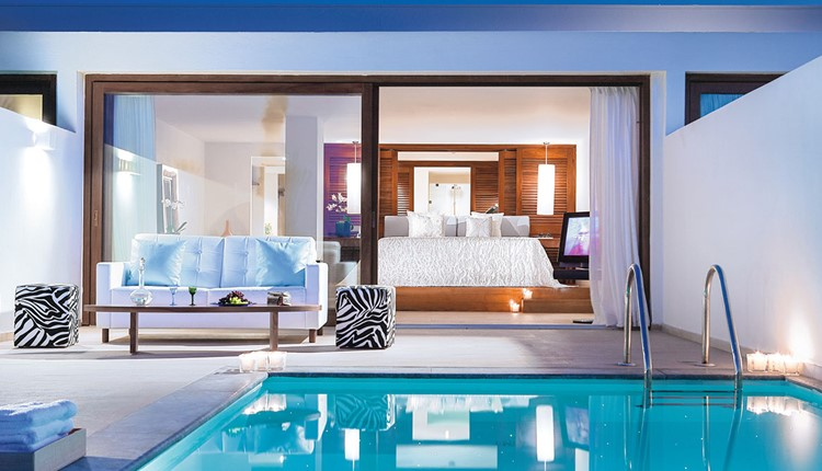 Amirandes VIP two-bedroom Suite, Gym & Private Heated Pool with Garden View