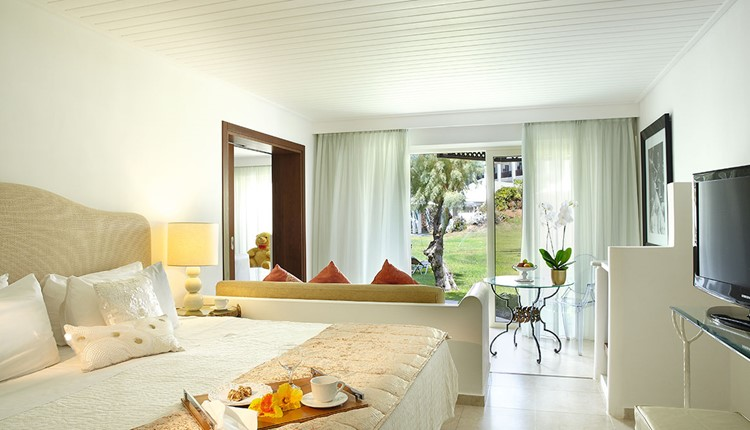 Famous - Palace Family Bungalow Suite Side Sea View
