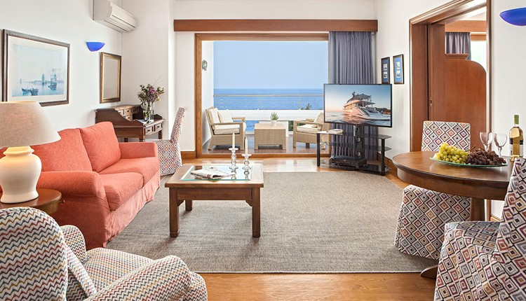 Premium Hotel or Bungalow Suite Sea View