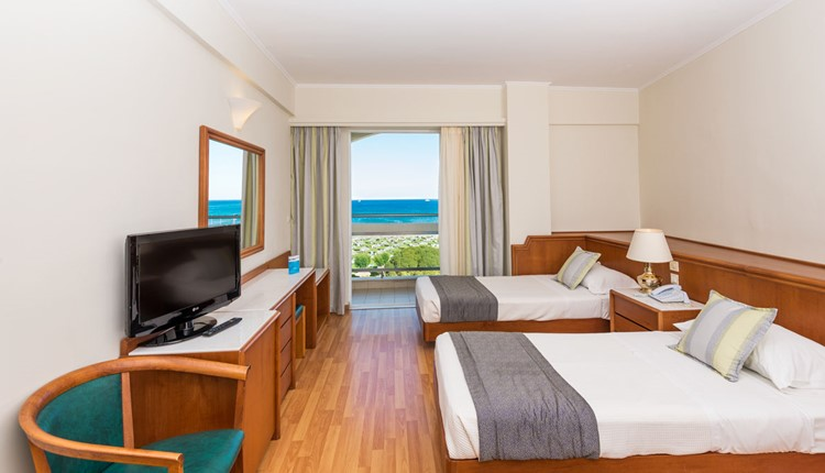 Double Bunk Bed Side Sea View