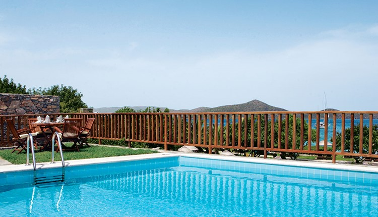 Peninsula Grand Villa 2 double and 1 single bedroom with private pool