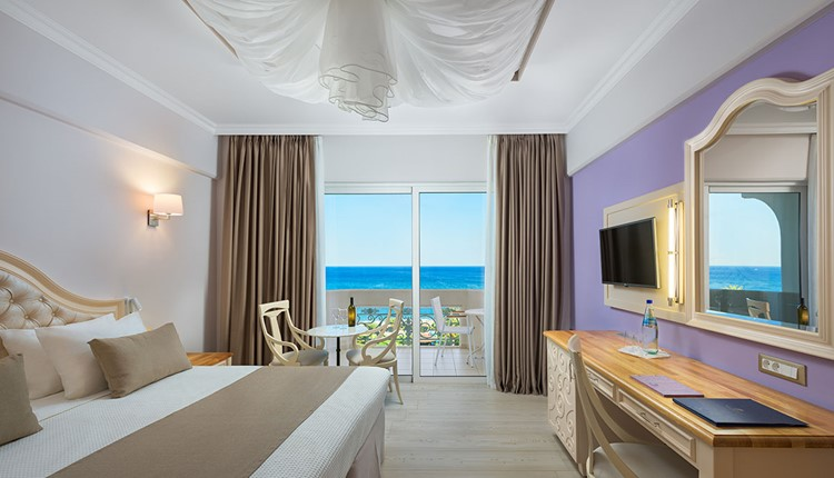 Deluxe Twin Sea View