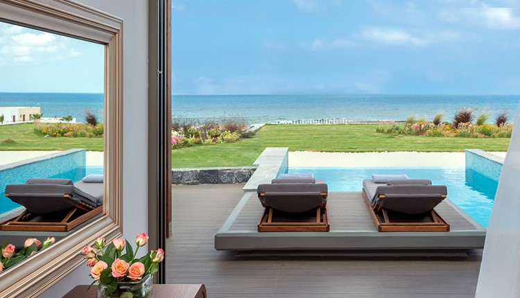Premium Energy Suite Sea View with private heated pool, SoulSauna or gym