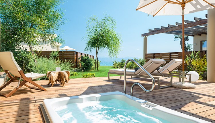 Pavilion Retreat Sea View with outdoor jacuzzi