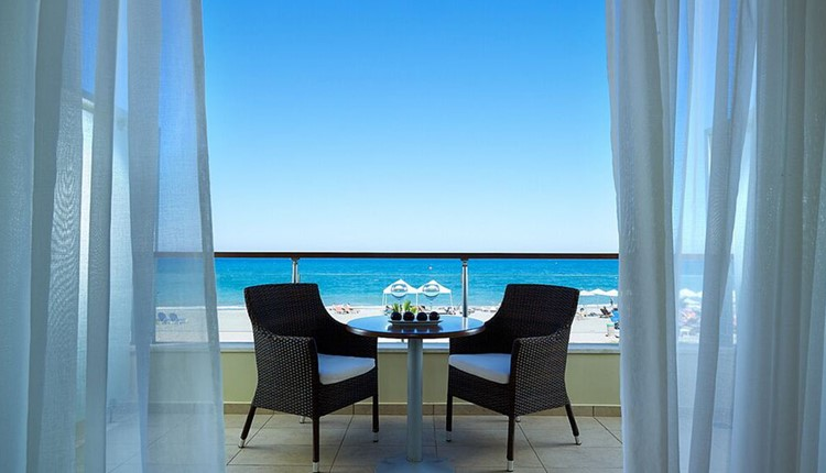 Double Imperial Water Front Direct Sea View