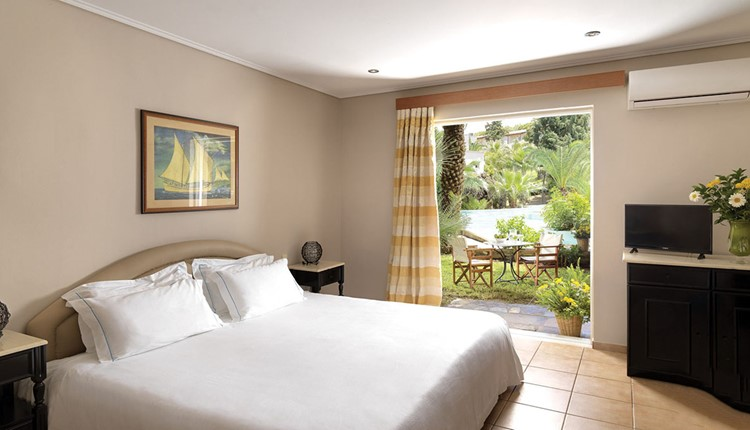 Classic Guestroom Bungalow Pool View