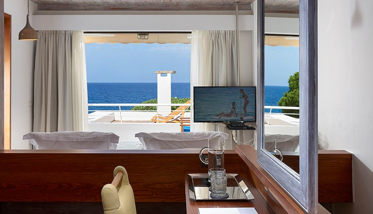 Club Suite 2Bedroom Private Pool Seafront