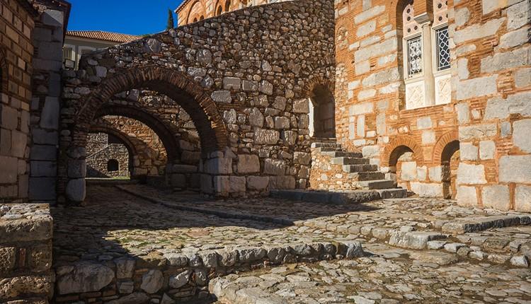 Дельфы и Монастырь св. Луки , Афины