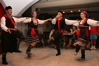 Родосская деревенская вечеринка, Родос