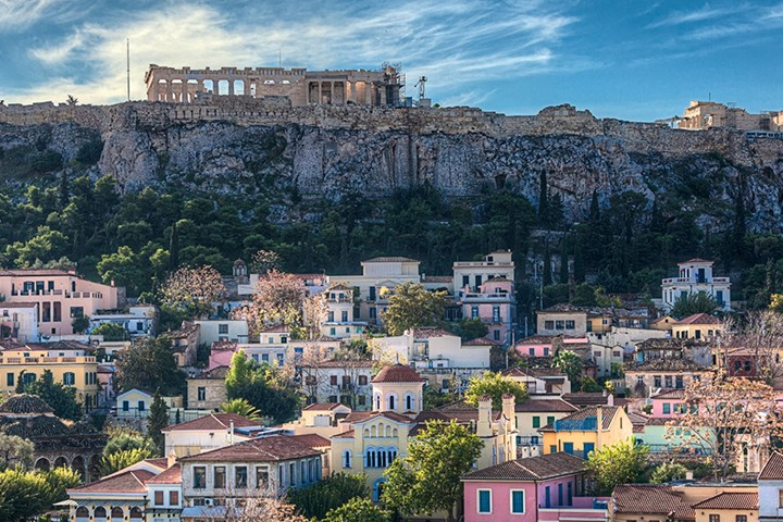 Athens, a city of warmth to host your meeting event